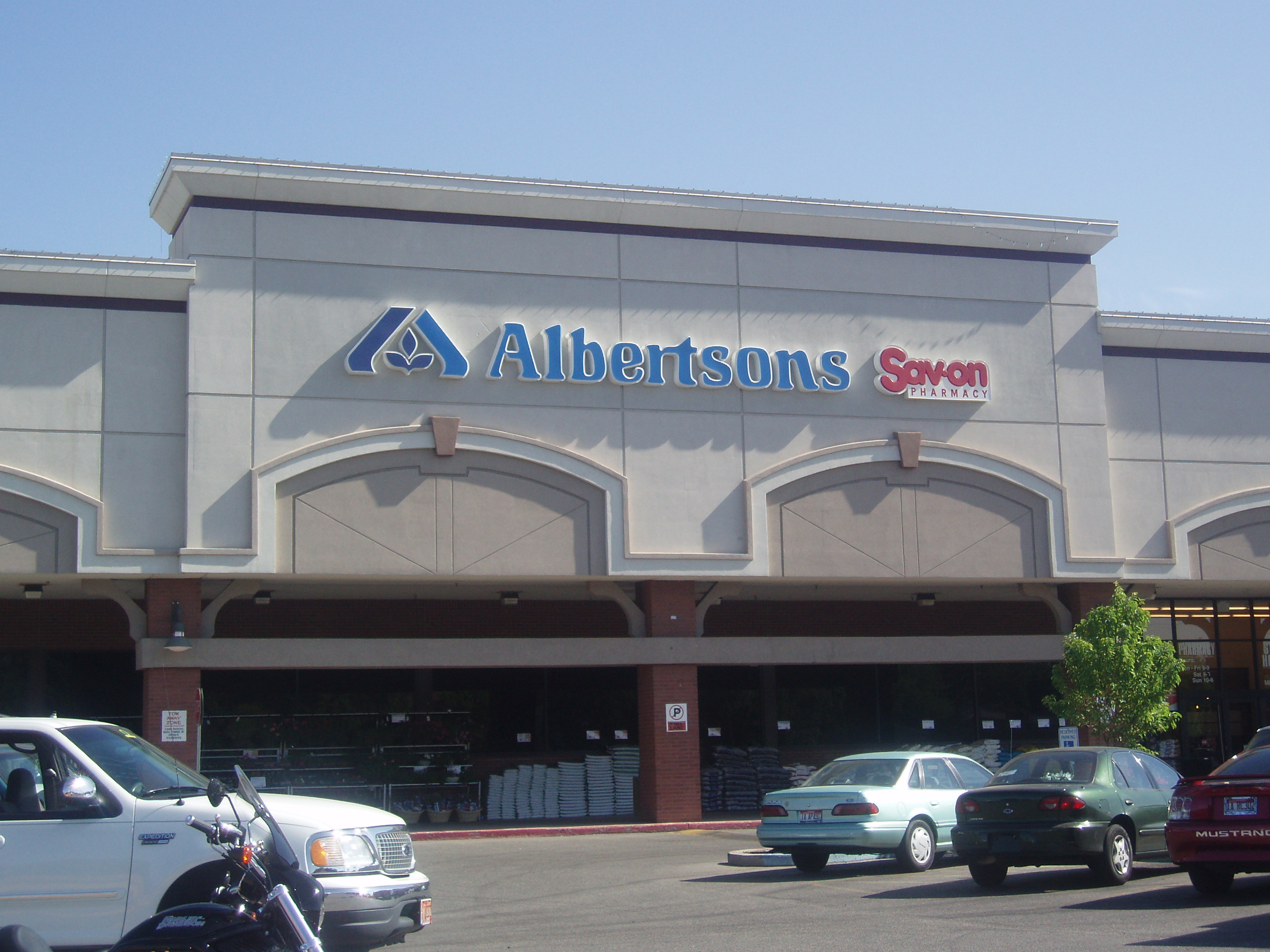 Albertsons Teams Up with Trace Register to Source Responsible Seafood