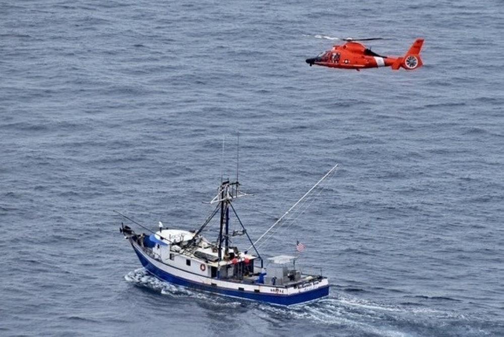 Coast Guard Medevacs Injured Fisherman 100 Miles off Coos Bay, Oregon