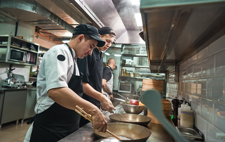 Foodservice, Drinking Places Help Propel US Employment Boost in June
