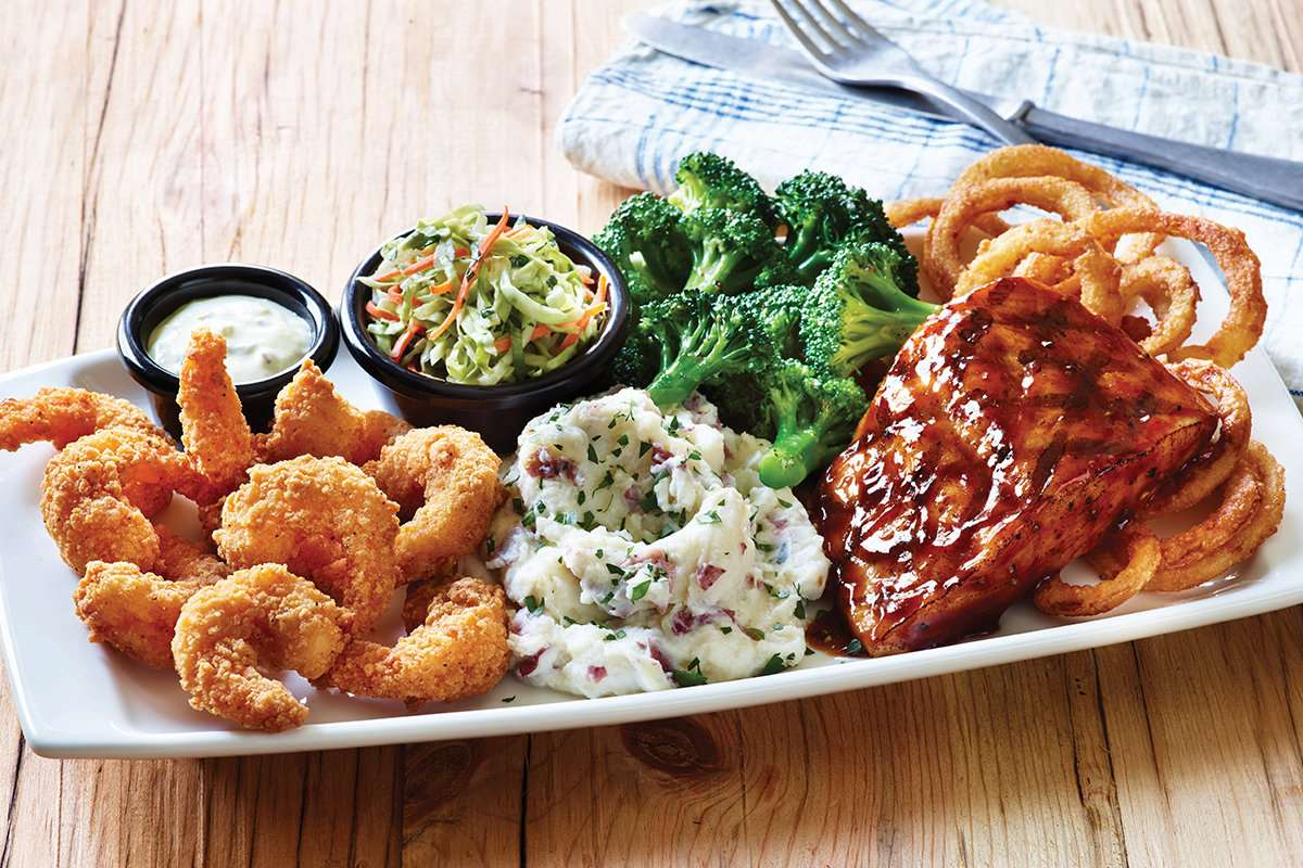 Applebees Brings Back Salmon and Shrimp Entrees on Bigger, Bolder Grill Combos Menu