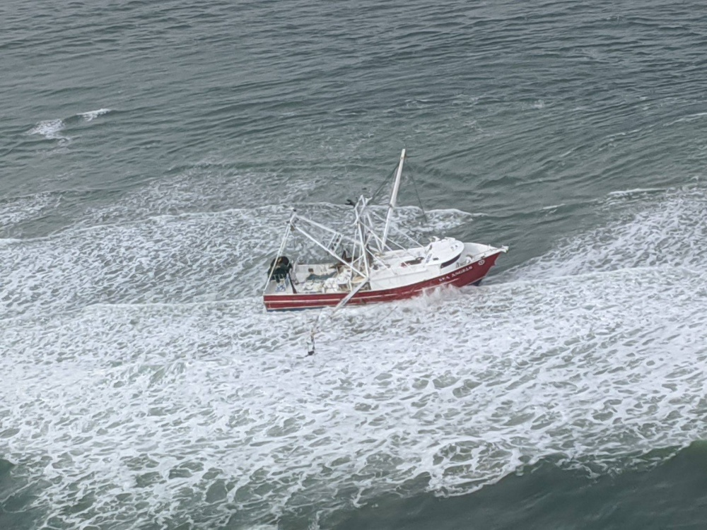 Team Working to Remove Fishing Vessel That Ran Aground Off North Carolina