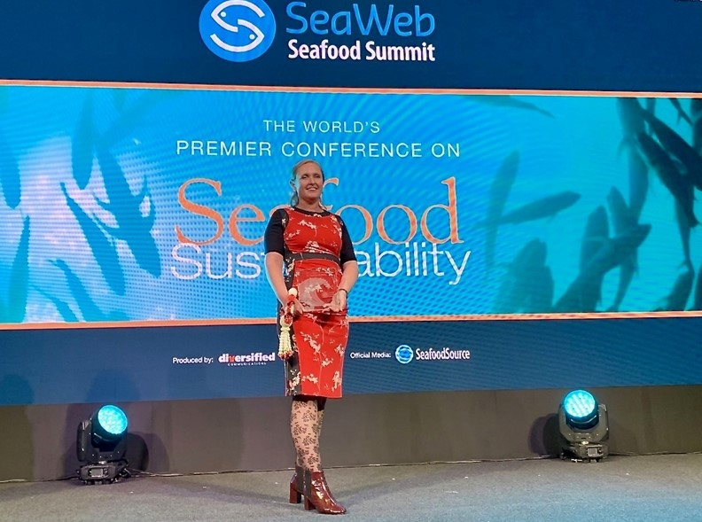 Thai Unions Global Director of Corporate Affairs and Sustainability Receives Seafood Champion Award